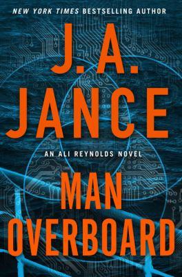 Man overboard : an Ali Reynolds novel (LARGE PRINT)