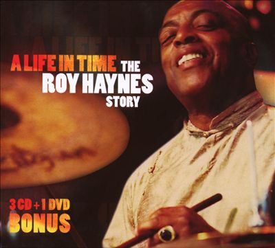 A life in time : the Roy Haynes story.