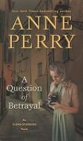 A question of betrayal (LARGE PRINT)